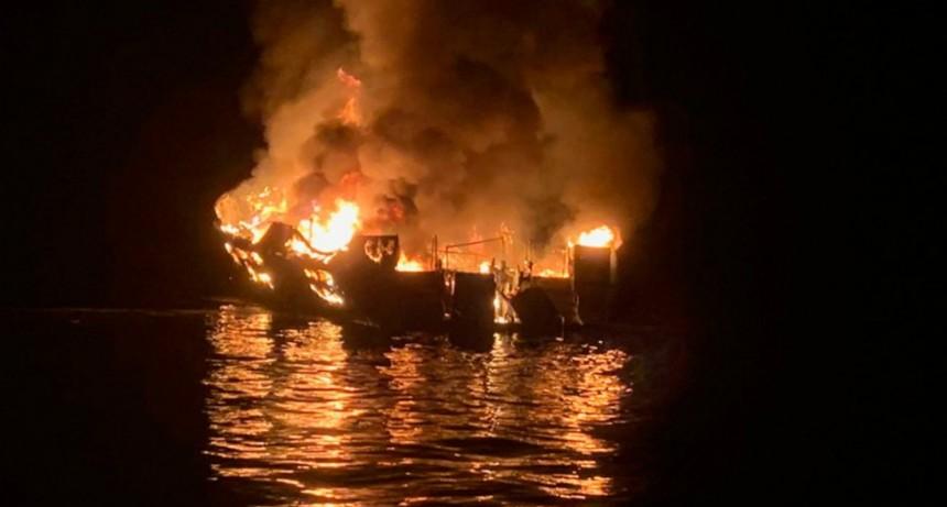 California: al menos 8 muertos por el incendio en un barco