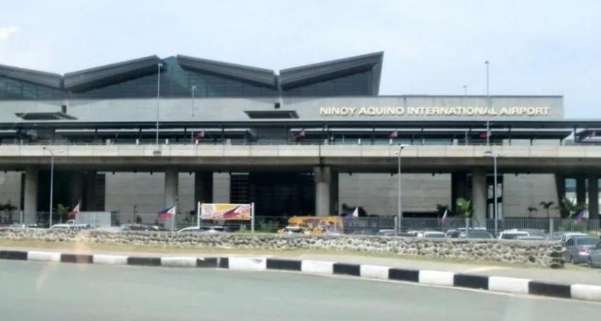 Detuvieron en un aeropuerto a una mujer que llevaba un bebé en la valija