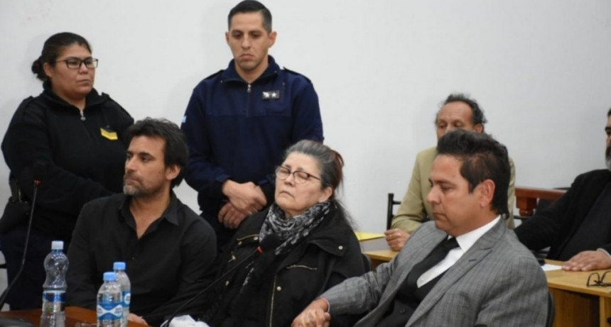 Zanjitas: absolvieron a Mabel Tyempertyopolos