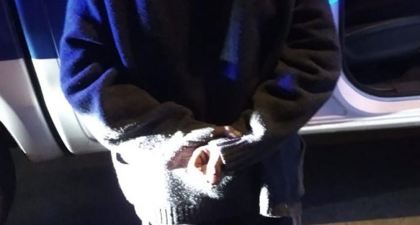 San Luis: detuvieron a un hombre que intentaba robar elementos de una camioneta