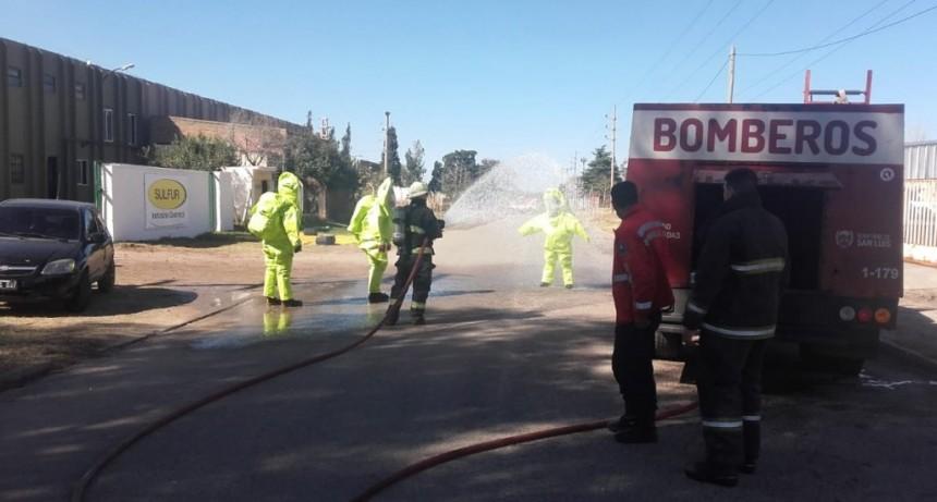 San Luis: bomberos trabajaron por una pérdida de sustancias tóxicas en una fábrica