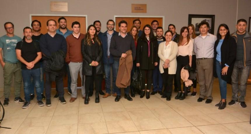 Profesionales del sector público analizaron la emergencia alimentaria con ministros