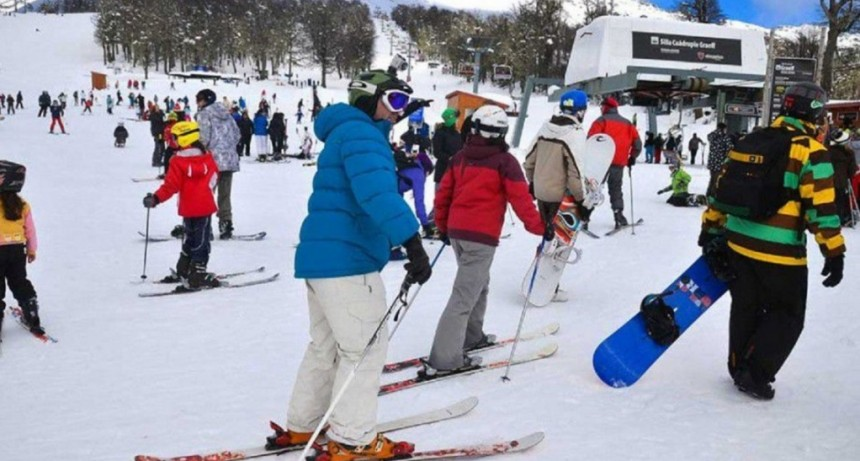 Alerta en Bariloche: más de 1.400 estudiantes sufrieron un brote de gastroenteritis