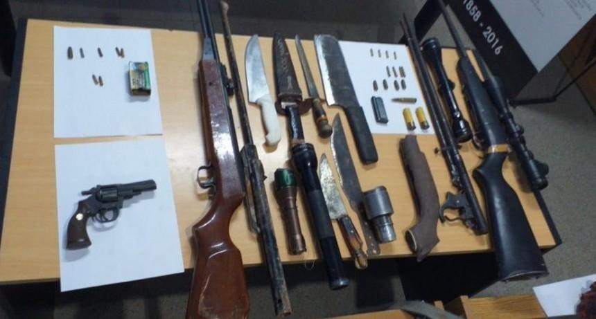 Luján: detuvieron a cuatro hombres por tenencia ilegal de armas