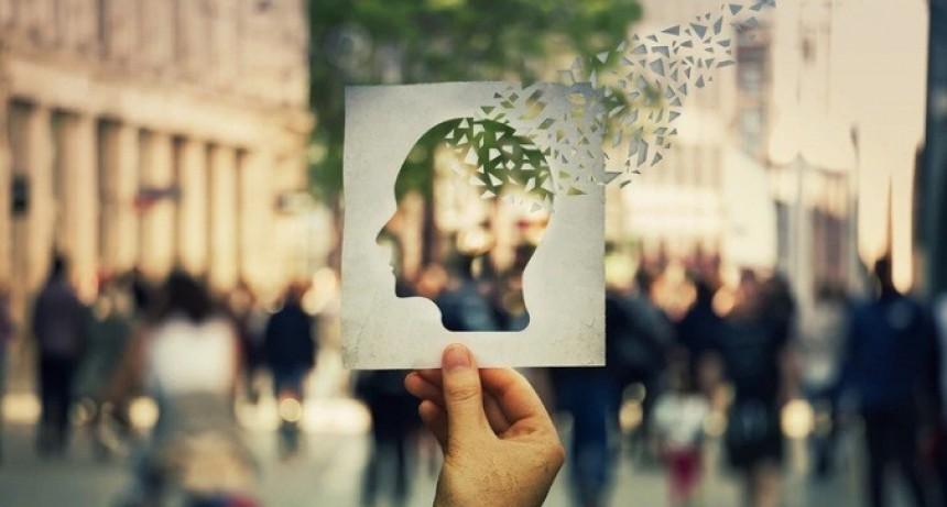 Alzheimer: síntomas para reconocer una enfermedad que padece 1 de cada 8 adultos mayores en la Argentina
