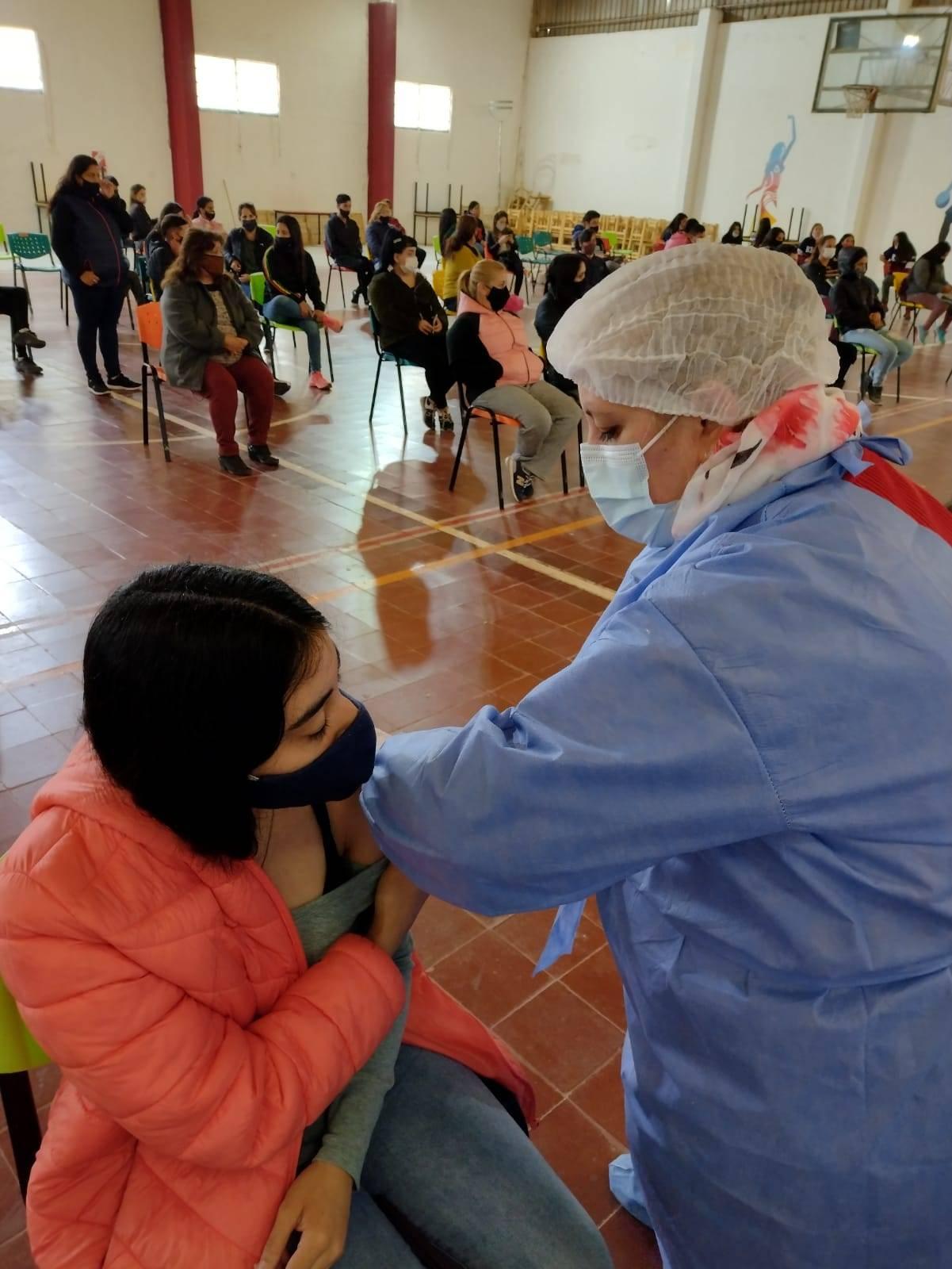 Esta semana comenzó con la vacunación a 7.156 personas.