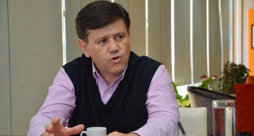 El ministro Mones Ruiz salió al cruce: