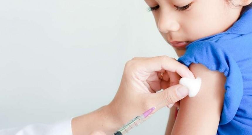 Realizan campaña de vacunación contra la varicela