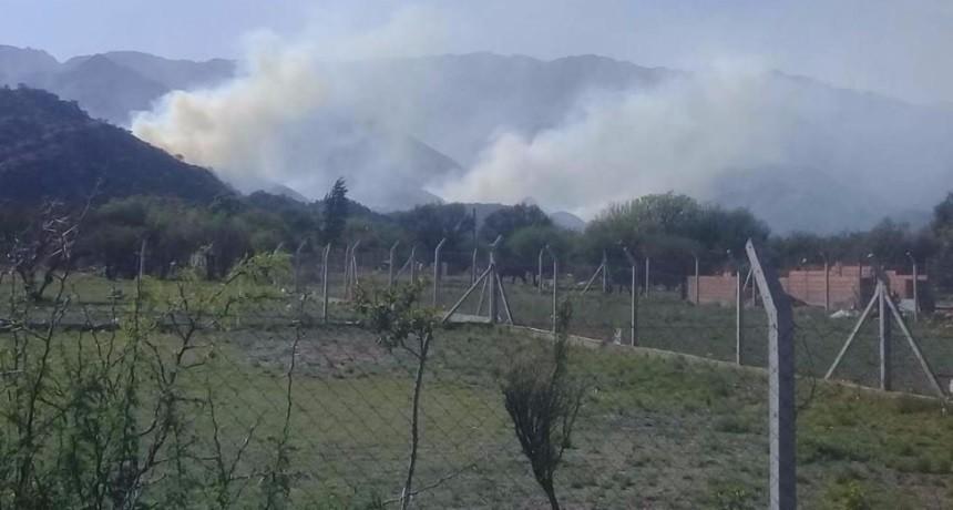 Importante incendio en Villa de la Quebrada