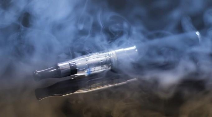 Cigarrillo electrónico: se registró el primer caso de un paciente internado por vapear en la Argentina