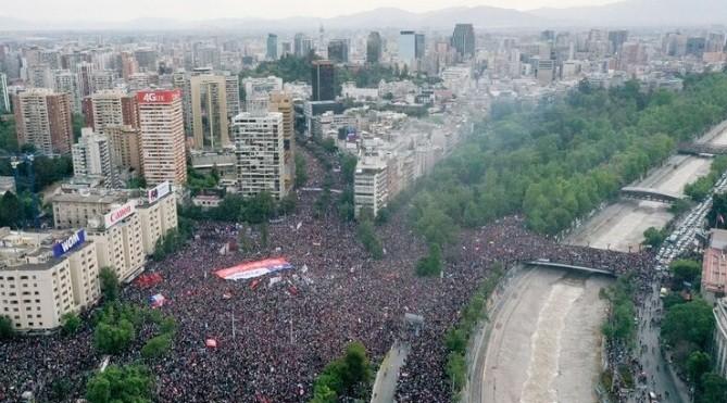 Cerca de un millón de personas participa de la marcha más grande de Chile
