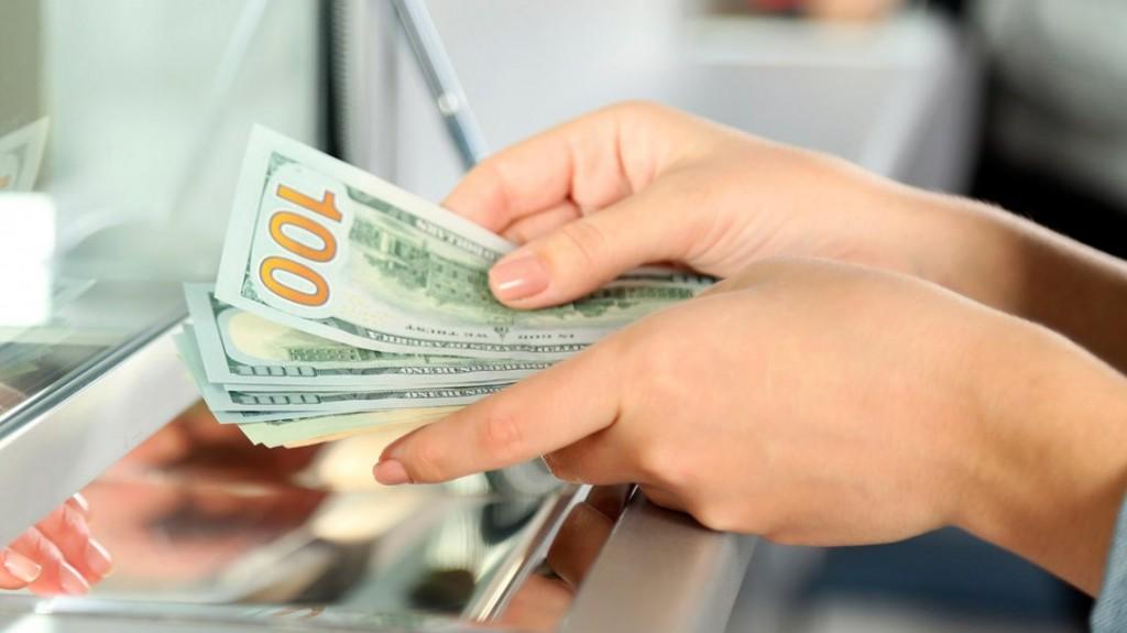 La letra chica del cepo: quiénes podrán comprar más dólares y qué pasa con los turistas