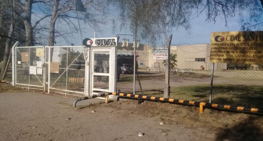 CIDAL cerró y la fábrica de bombuchas  despidió a 65 trabajadores