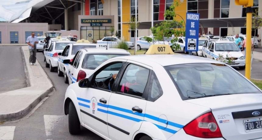 Taxistas solicitaron un aumento del 20% en la tarifa