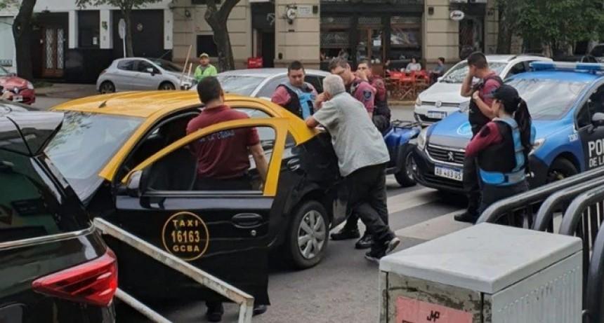 """""""Te voy a matar"""": Un taxista amenazó y agredió a Baby Etchecopar"""