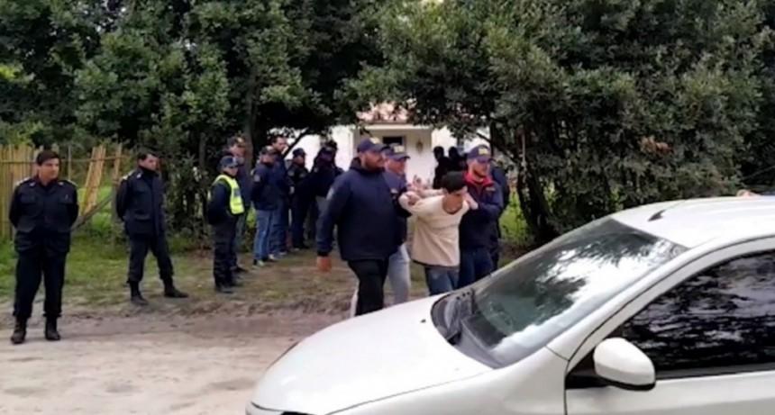 Los vecinos de Abril se quebraron y confesaron que ellos llevaron a la nena a la casa abandonada