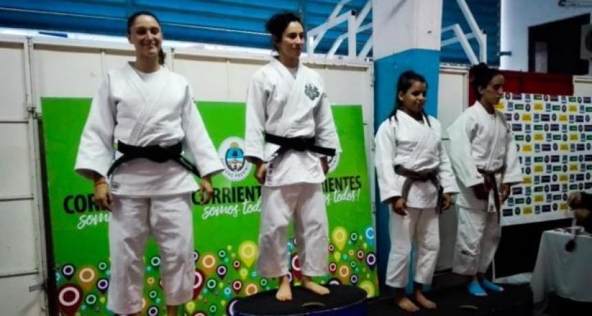 Diez podios para la delegación puntana de judo en Corrientes