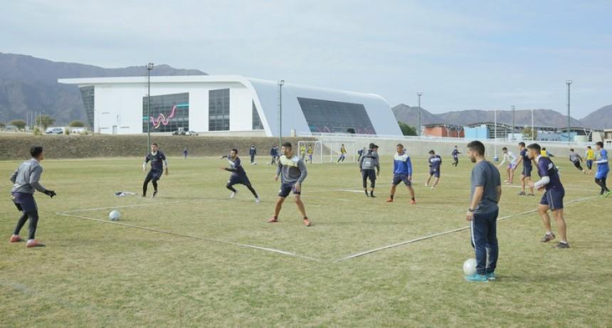 Juventud visita a Villa Mitre en busca de los 3 puntos