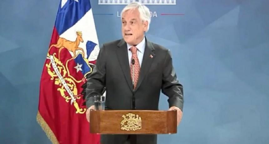 Piñera suspendió el aumento del subte y declaró toque de queda