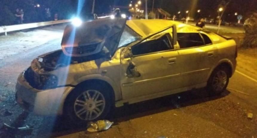 San Luis: un auto volcó en la avenida Santos Ortiz