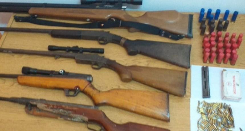 San Luis: secuestraron armas de fuego, blancas, proyectiles y aves canoras en cautiverio en 14 allanamientos