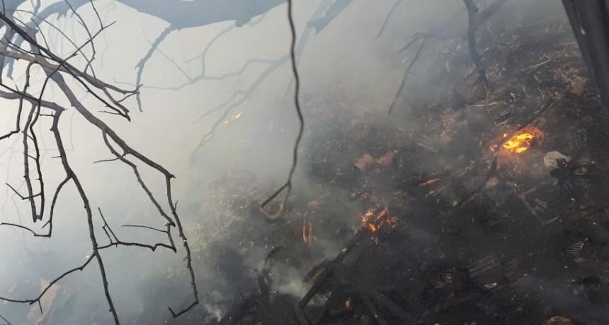 San Luis: bomberos sofocaron un incendio de maleza en un predio
