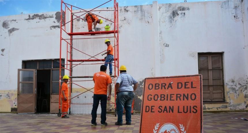 Efectúan refacciones en la Escuela N° 2 Bernardino Rivadavia