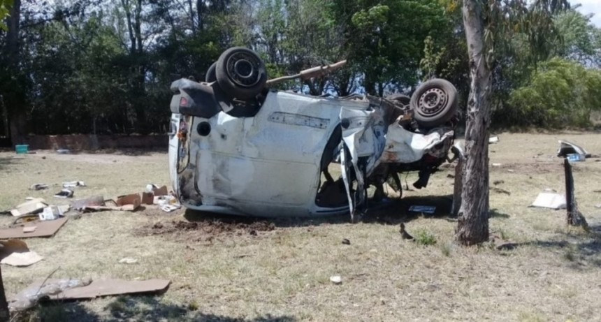 San Luis: una camioneta volcó en la Autopista de las Serranías Puntanas