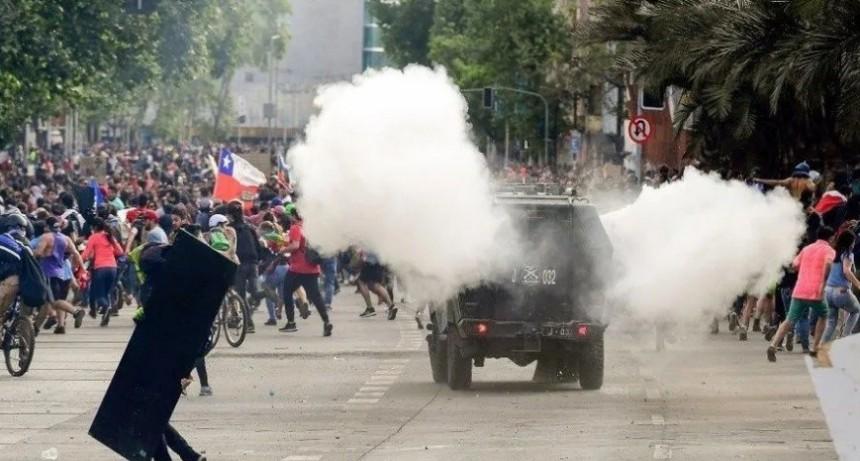 Por incidentes evacúan el Congreso de Chile