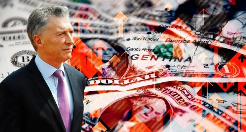 Antes de las elecciones, el dólar se disparó $1,70 y cerró a 65 pesos