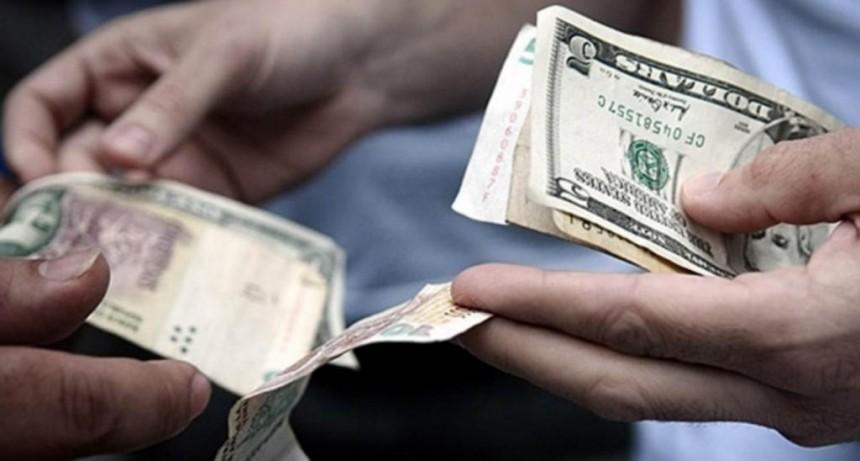 Pese al cepo, el dólar volvió a subir