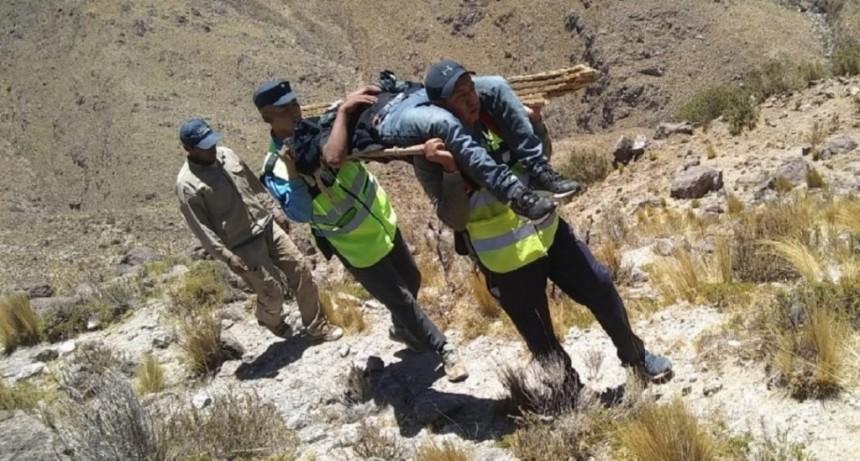 Hicieron 24 horas a pie para rescatar a un joven lesionado en un lugar inhóspito