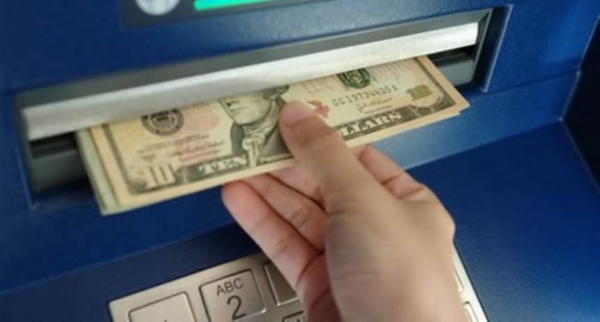 Cepo recargado: restringen el uso de tarjetas de crédito en el exterior