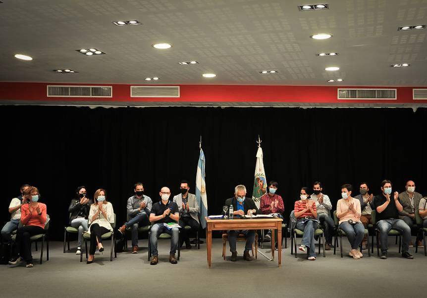 El gobernador anunció cómo se implementarán las medidas que impactarán en la economía de todos los sectores sociales de San Luis