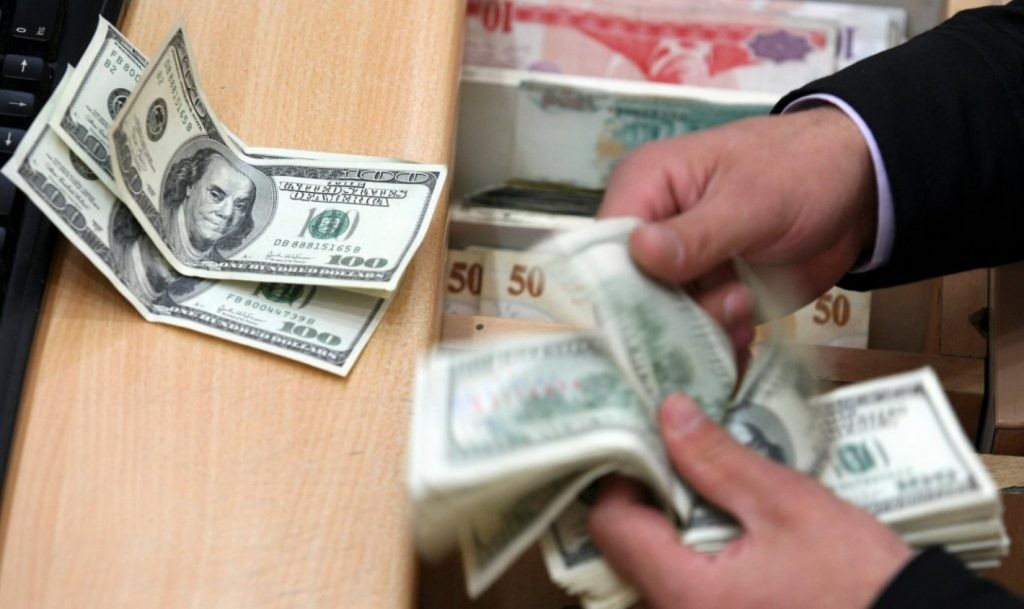 El dólar cayó 11,4% en un mes, perforó los $37 y alcanzó el nivel más bajo desde agosto