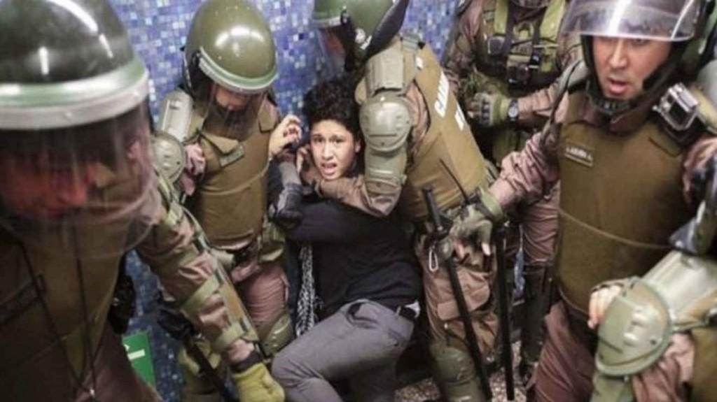 Chile: para el General Director de Carabineros, los excesos de sus subordinados son
