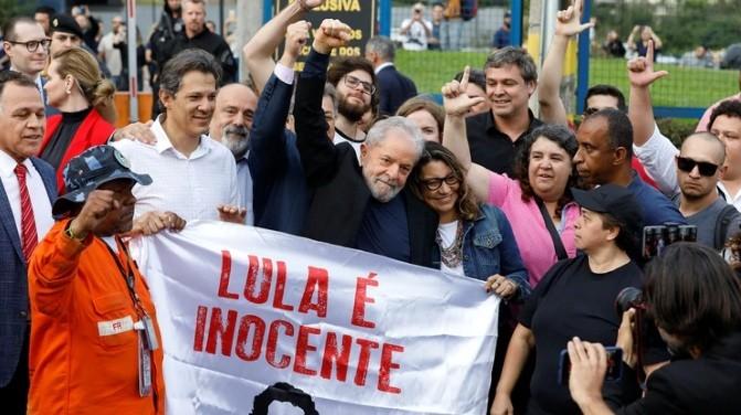 Tras 580 días en prisión, Lula da Silva quedó en libertad