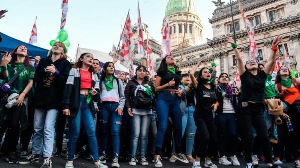 Aborto no punible: presentaron un amparo para que se restablezca el protocolo