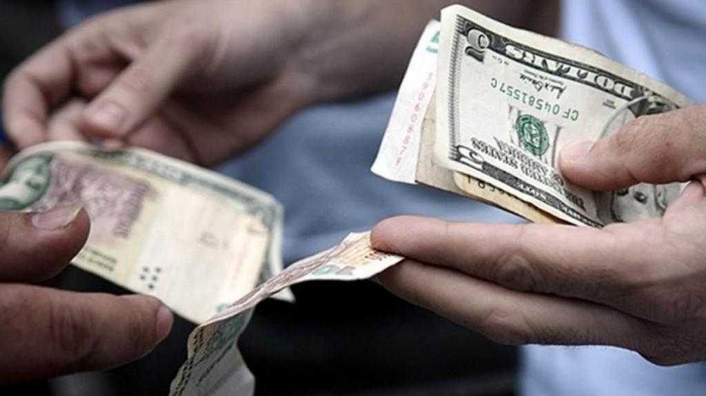 El dólar blue sigue en alza: toca los $70 y la brecha se estira al 10%