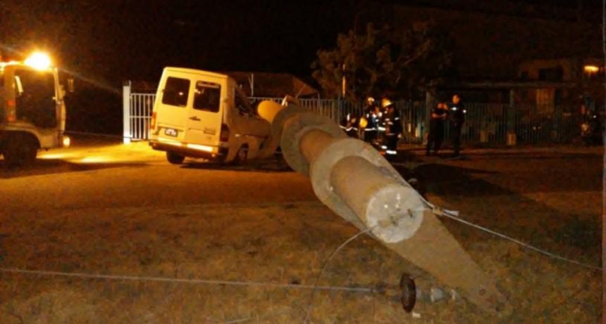 Villa Mercedes: una traffic chocó contra una columna de hormigón y dejó al Parque Industrial sin energía