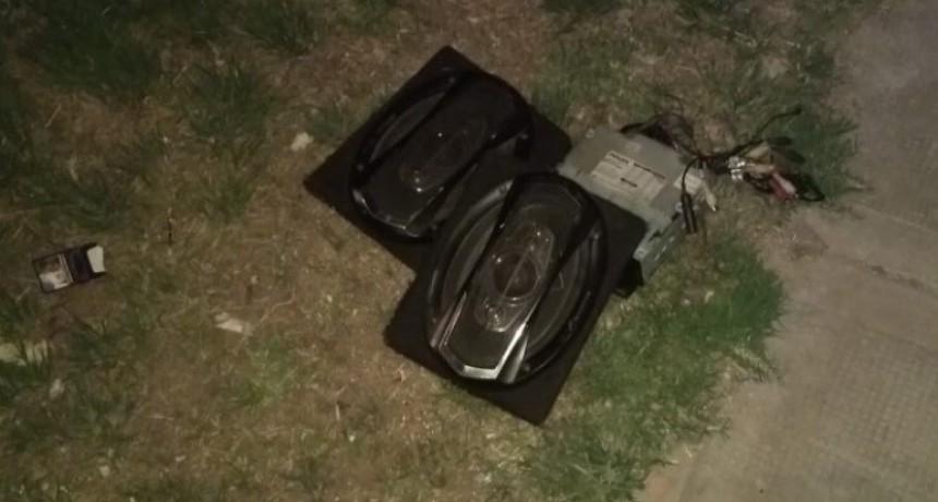 San Luis: detuvieron a un joven que robó elementos del interior de un vehículo