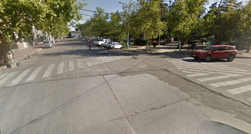 San Luis: un auto embistió a un peatón a metros de la plaza Independencia