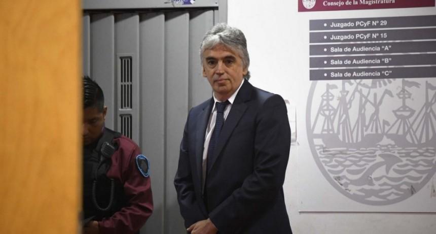 El ex pediatra del Garrahan Ricardo Russo fue condenado a 10 años de cárcel por pedofilia y quedó detenido