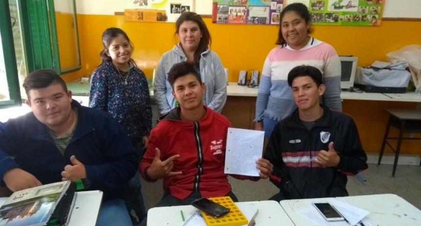 """Estudiantes de la Escuela Rural Generativa """"Generación T"""" crearon historietas basadas en el Martín Fierro"""