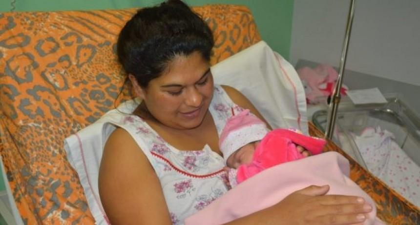 """Un día que no quedará en el olvido: nacieron cuatro nenas en el Hospital """"Madre Catalina"""" de Merlo"""