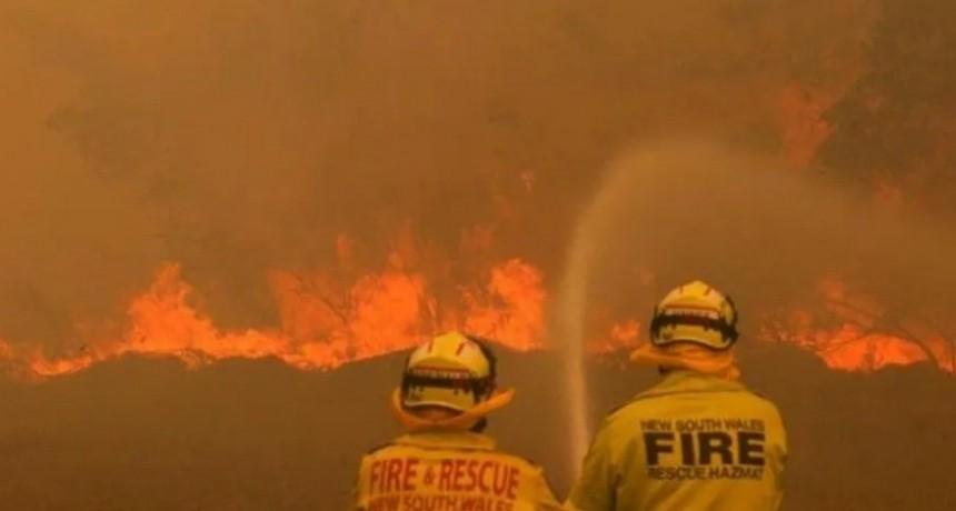 Tres muertos y 5 desaparecidos por los incendios forestales en Australia