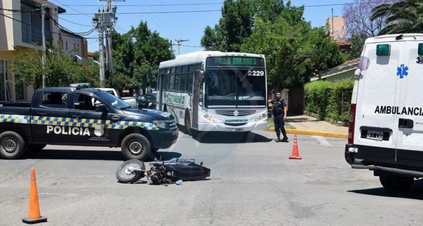 Merlo: una motociclista fue atropellada por un móvil policial