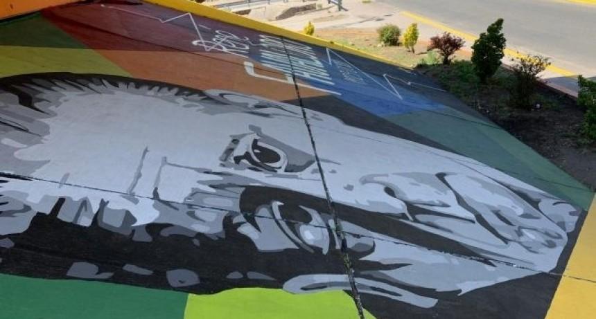 """Pinta San Luis"": René Favaloro y un homenaje a gran escala"