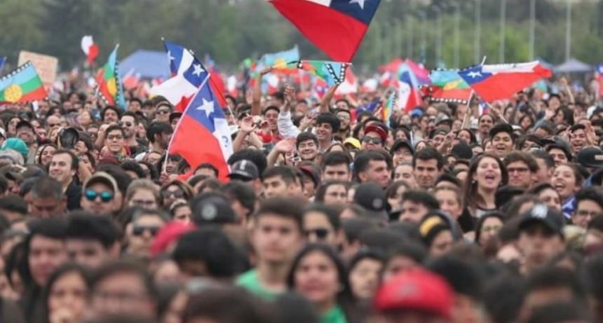 Chile: convocan a un plebiscito para definir una nueva Constitución
