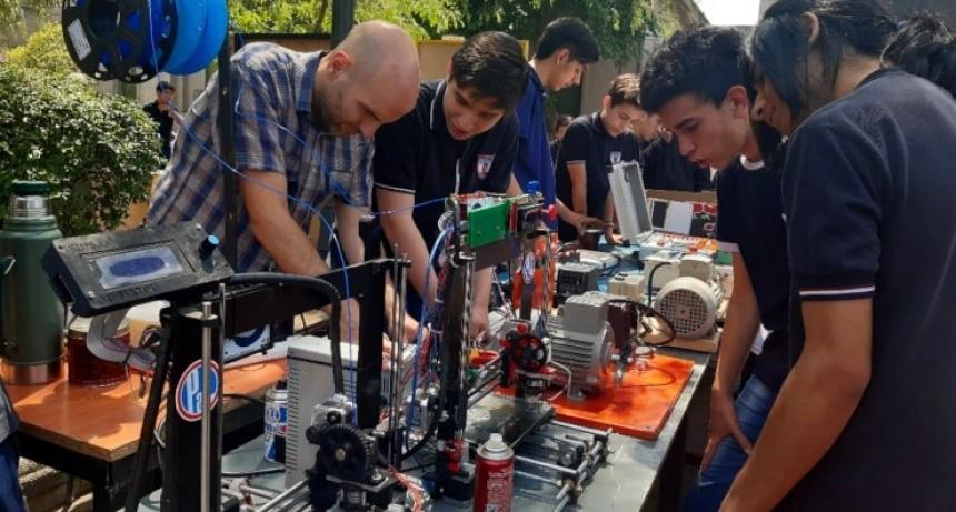 La Escuela Industrial realizó su Jornada de Puertas Abiertas en el centro de la ciudad